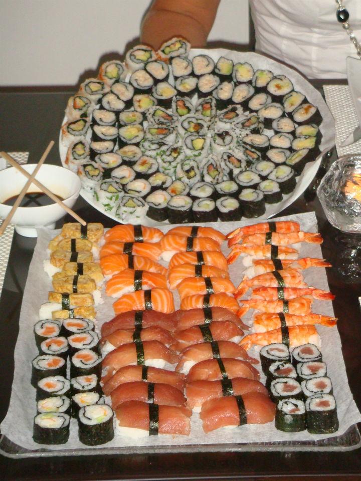 repas asiatique sushi